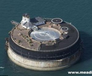 孤岛开豪华酒店招经理 仅能坐船或飞机上班